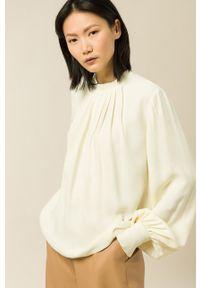IVY & OAK - Bluzka Brianna. Kolor: beżowy. Materiał: tkanina. Długość rękawa: długi rękaw. Długość: długie