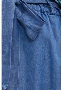 Answear Lab - Szorty. Stan: podwyższony. Kolor: niebieski. Materiał: tkanina. Styl: wakacyjny