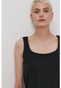Vero Moda - Sukienka. Okazja: na co dzień. Kolor: czarny. Materiał: poliester, dzianina, bawełna. Długość rękawa: na ramiączkach. Wzór: gładki. Typ sukienki: proste. Styl: casual