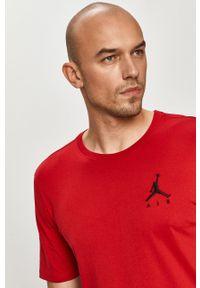 Czerwony t-shirt Jordan casualowy, z nadrukiem