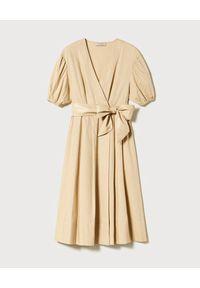 TwinSet - TWINSET - Beżowa midi sukienka z wiązaniem. Kolor: beżowy. Materiał: bawełna. Sezon: lato, wiosna. Typ sukienki: kopertowe. Styl: elegancki. Długość: midi