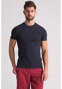 Emporio Armani - Granatowy t-shirt z logo marki. Kolor: niebieski. Wzór: gładki, nadruk