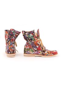Beżowe botki Zapato z cholewką za kostkę, w kolorowe wzory, sportowe, na spacer