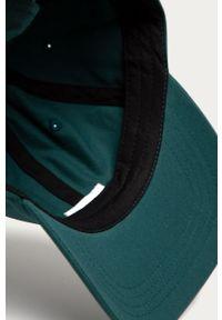 Zielona czapka z daszkiem Vans z aplikacjami